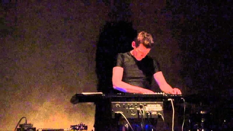 Philip Brophy - synthesizer -