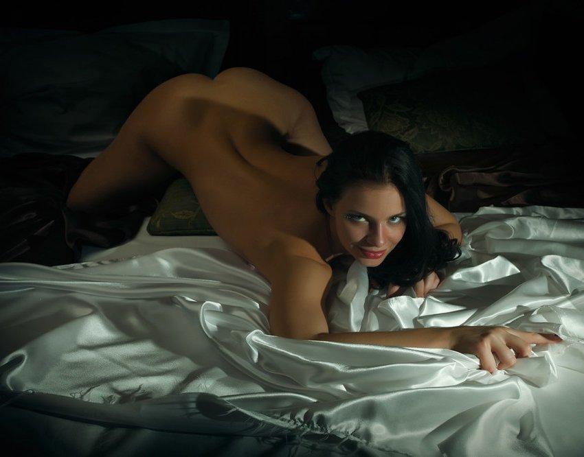 Sexy frau cucking in einem hotel