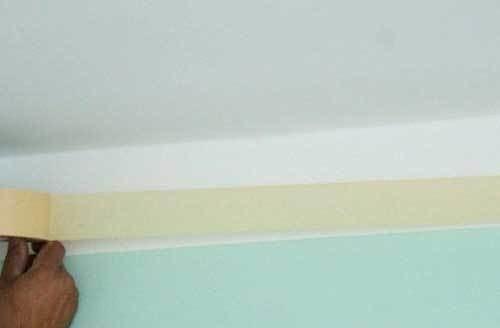 Потолочный плинтус - как клеить