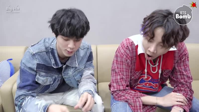 [BANGTAN BOMB] Jin j-hope Play with Earrings - BTS (방탄소년단)