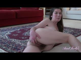 Isabella - волосатая мамуля дает по полной программе. (#porn #solo #pussy #fingering #hairy #mature #mom #granny #masturbation)