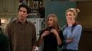 Друзья S05E09 Джоуи якобы переспал с Моникой