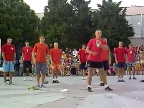 Зажигательный и веселый ФЛЕШМОБ ТАНЕЦ ФИЗРУКОВ PK Funny