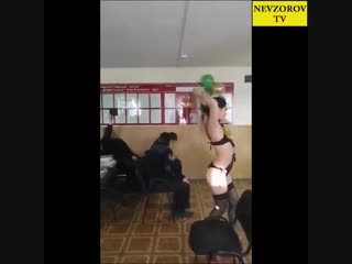 Эротичные танцы в отделении МВД Улан-Удэ на 23 февраля.