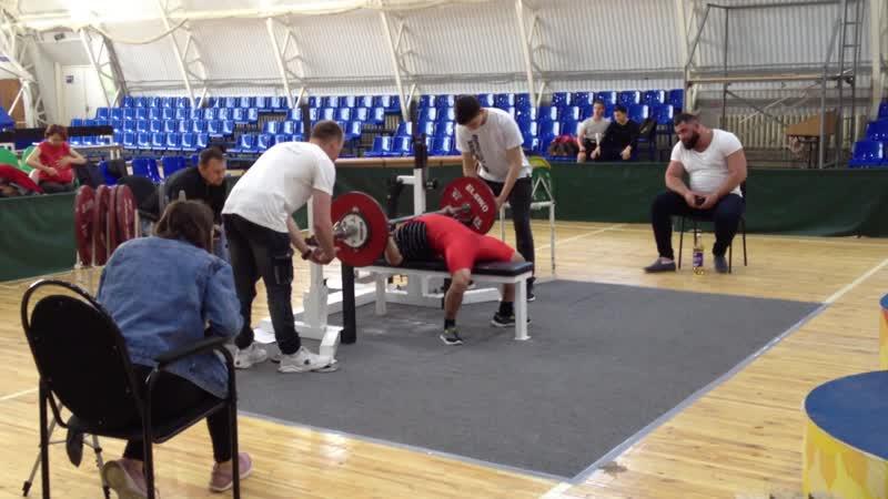 Алимгулов Линар вес кат до 53 кг. жим 85 кг. 1 место