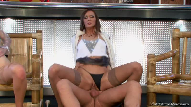 Mafia Boss Accepts Pussy and Pissing as Payment Kate