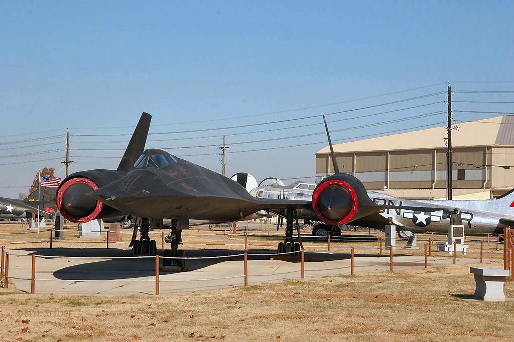 "SR-71.Неуловимый ""черный дрозд""."