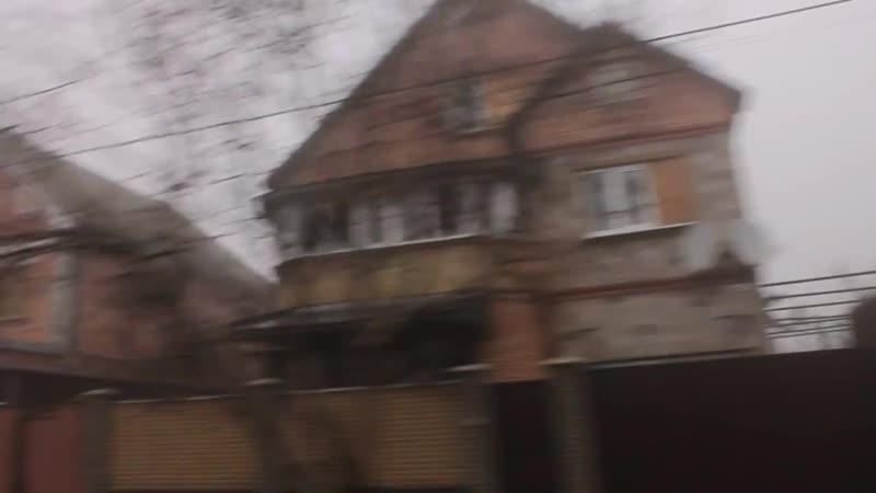 Донецк. 17 декабря 2014. Грэм Филлипс едет по улице Стратонавтов.