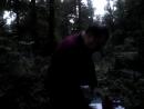 доктор выпивает на кладбище