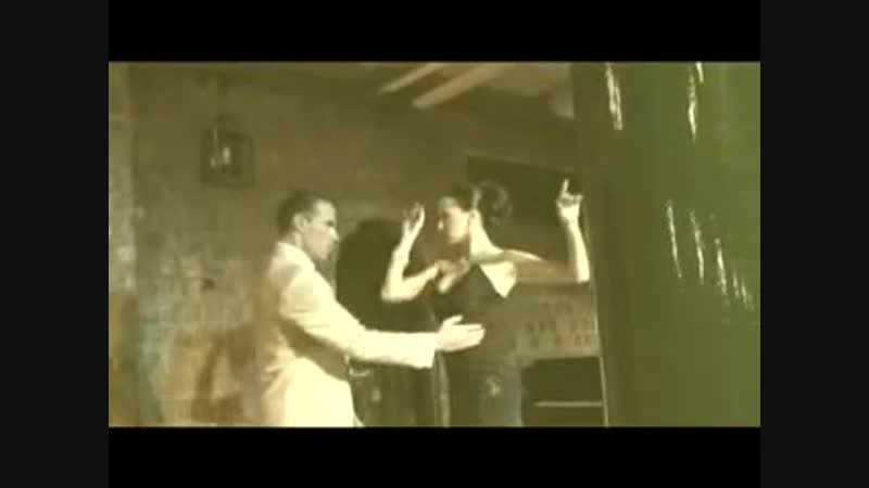 Junior Cervila Alejandra Gutty - Gallo ciego