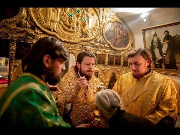 Божественна Літургія в храмі на честь прп. Феодосія Печерського в Дальніх печерах Лаври