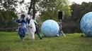 Спектакль Небесная карусель с очень трогательным финалом в Гатчинском парке.Парад уличных театров.