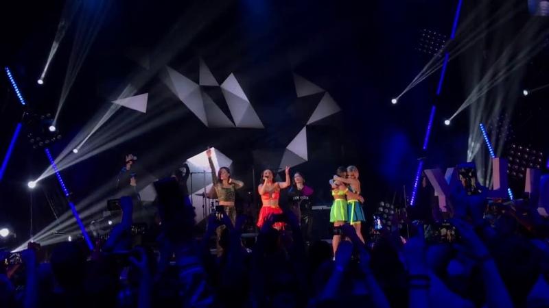 MOLLY / SEREBRO - Рассыпая серебро (Live @ Vegas City Hall, Moscow)