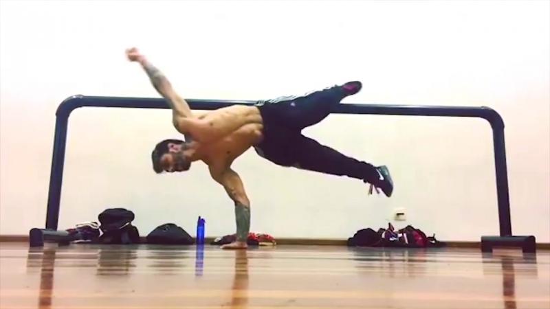 KING of the Gravity - SuperHuman STRENGTH _ Pivet Madkilla