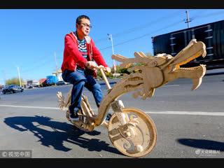 В Китае мужчина сделал велосипед из палочек для мороженого