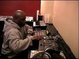 DJ PREMIER &amp SHOWBIZ PLAYIN BEATS @ HEADQCOURTERZ STUDIOS.mp4