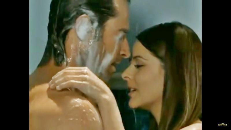 Montserrat flagra Maria e Alejandro tomando banho juntos