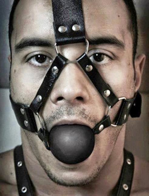 порно где кляп в рот картинка мужчине обнажаются тела, кипят