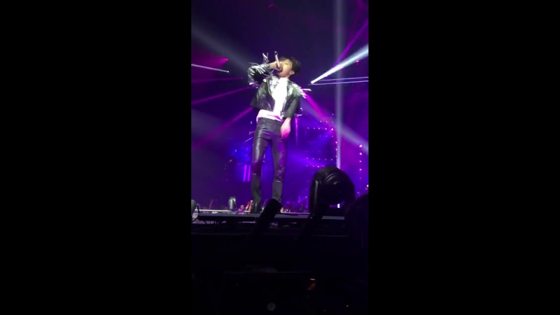 Каждый раз когда вижу такие видео с концерта то думаю что хуже уже некуда но нет mp4