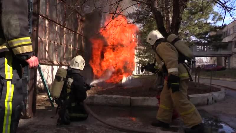 Крымские спасатели ликвидировали пожар в г.Симферополь