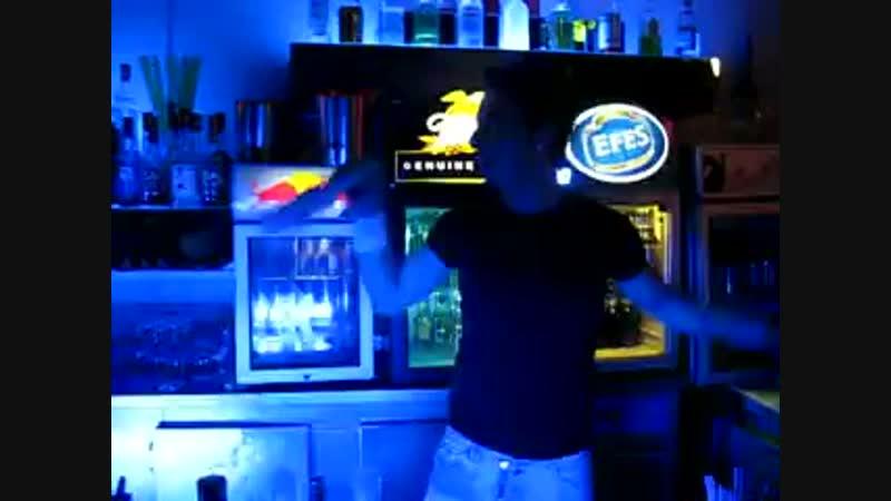 бармен виртуоз в GALLEON