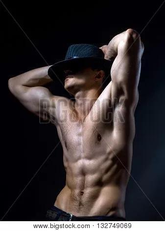 мужской голый шляпа фото общем
