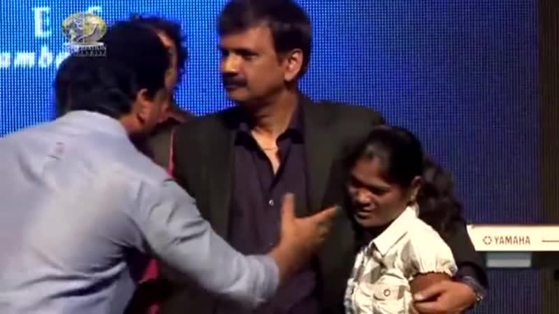 Иисус открывает глаза девочке без глазных шариков! Индия