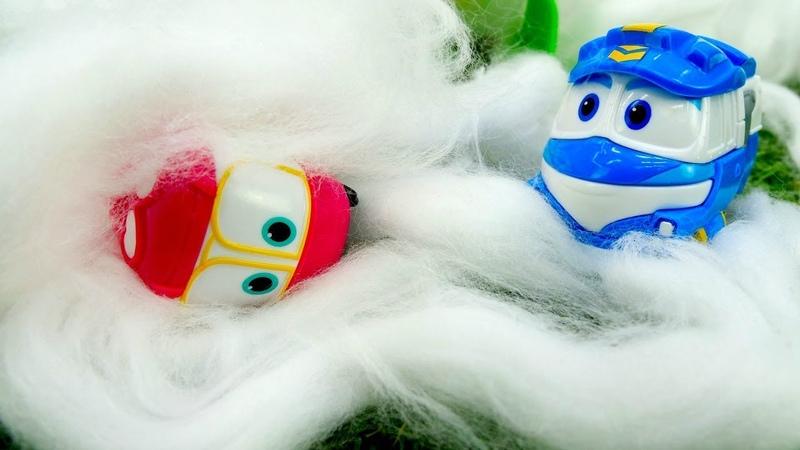 Juegos de trenes infantiles. El laboratorio de nieve. Vídeos de juguetes.