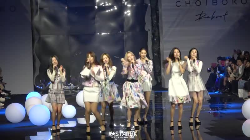 "FANCAM 181019 SONAMOO Into Me Intro "" I Like U Too Much @ 2019 S S HERA Seoul Fashion Week CHOI BOKO Collection"