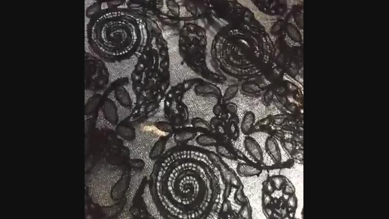 Французское кордовое кружево черного цвета кромка одинаковая с двух сторон ♥️Поставь лайк😉👍 ⭐️Ширина 90см ⭐️Состав хлопок