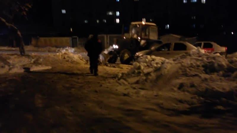 Авария с трактором на ул. Демьяна Бедного (07.12.2018)