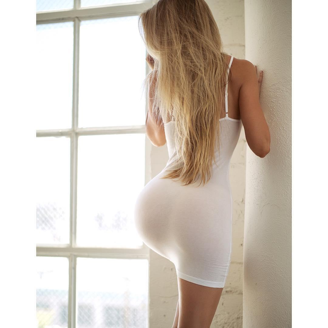 Naked cam girl masturbating with vibrator TiffanyDee