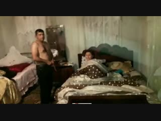 Азербайджанка изменила мужу, пока он был на работе