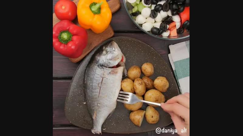 Обожаю рыбу с овощами. Приятного аппетита.