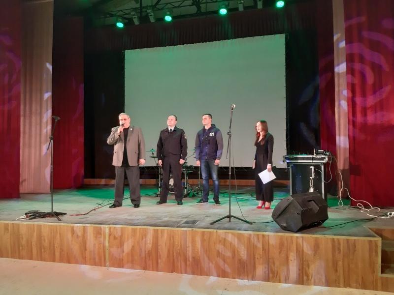Под Таганрогом полицейские совместно с членами Общественного совета приняли участие в открытии молодежного лагеря «Прорыв»
