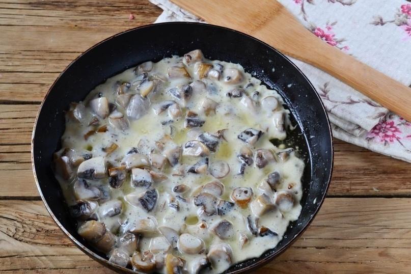 Мясные гнёзда со сливочными грибами