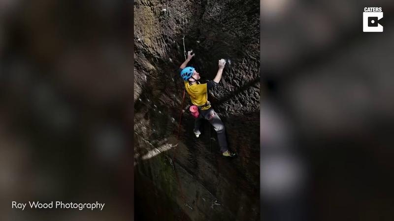 Альпинист чудом выжил после падения с 15 метровой высоты