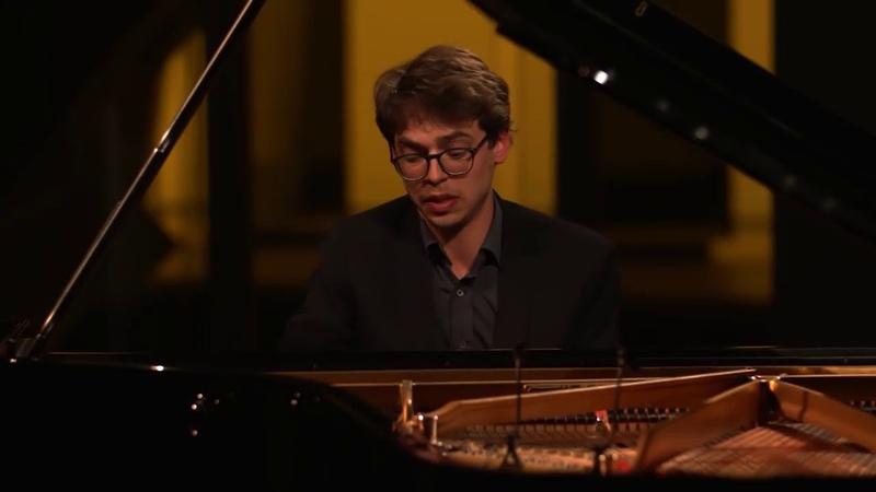 Lucas Debargue. Domenico Scarlatti Piano sonata K 141