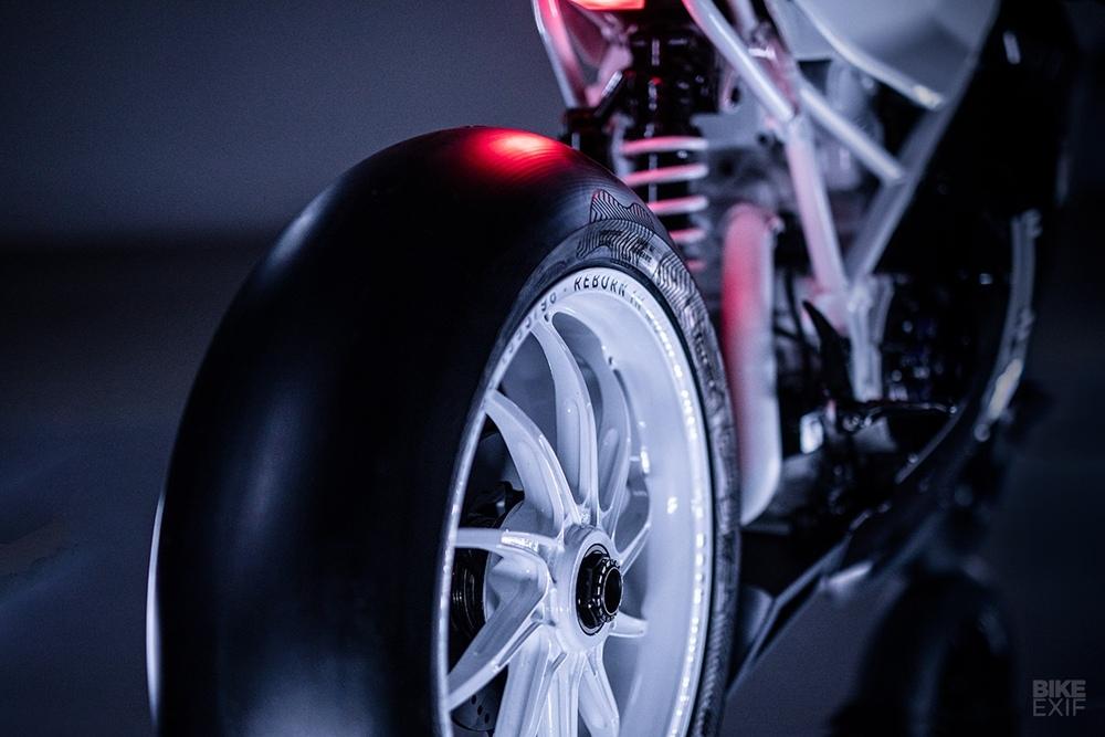 Impuls: кастом Ducati 916 Concord