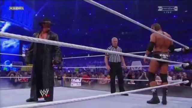 Undertaker vs. Triple H - Aint No Grave Entrance