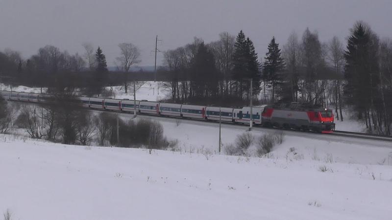 Электровоз ЭП20 054 с поездом № 013 Москва Берлин