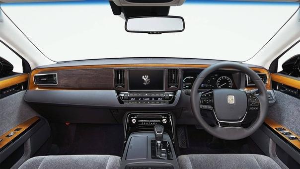 Японский Rolls-Royce или Toyota Century III За полвека модель Century изменялась всего 3 раза, и последний случился недавно на презентации в Токийском автосалоне! Как и прежде, Century не будет
