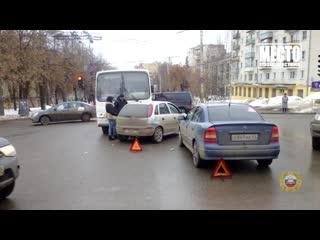 Обзор аварий. Пьяный на УАЗ въехал в Вольво, Свечинский район.