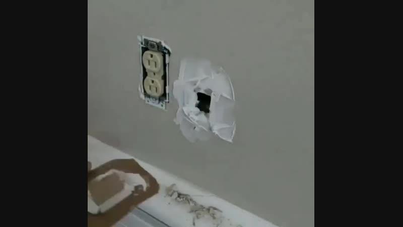 Как легко скрыть отверстие в стене из гипсокартона