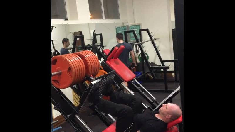 340 кг пробил ножки после выпадов💪