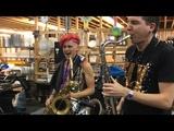 Leo P &amp Eli Bennett Saxophone Funk Jam @ Winnipeg Folk Festival (2018)