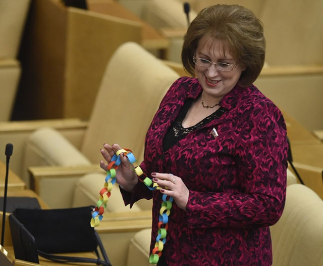 Жители России жертвуют свои средства для помощи депутату