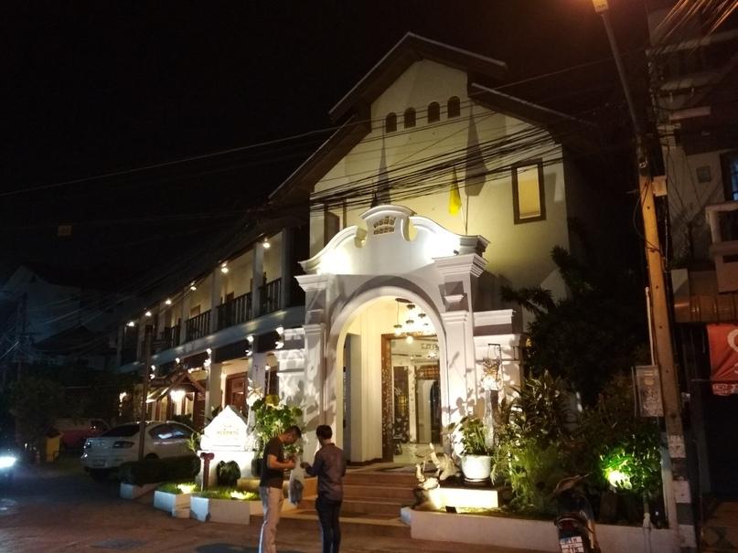 Таиланд 2018, день 0: Дорога до Чиангмая и прогулка по ночному городу