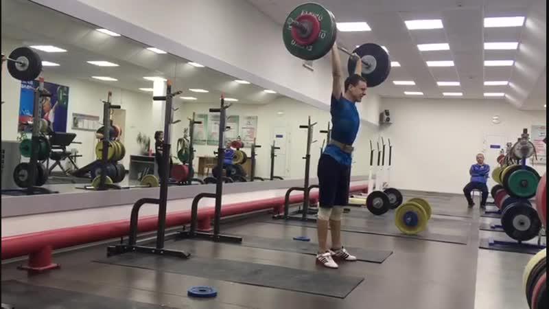 Сергей Берсан, толчок 102 кг. Собственный вес 61 кг.