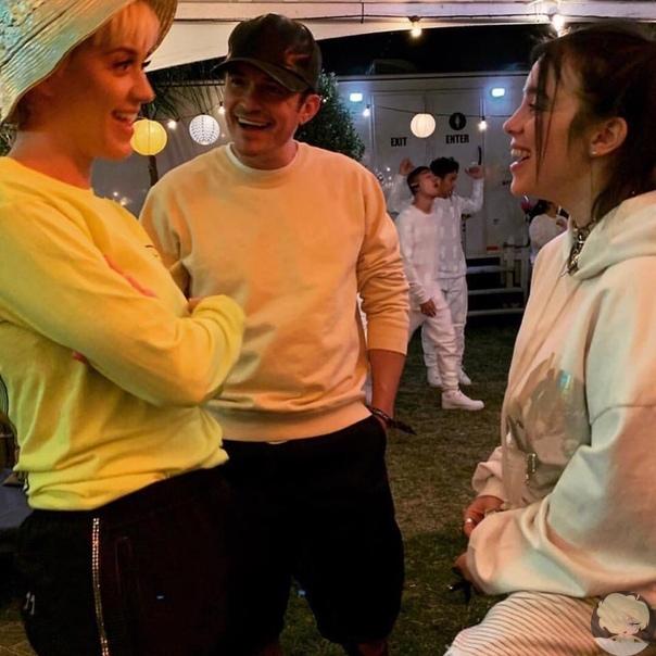 БИЛЛИ АЙЛИШ НАКОНЕЦ ВСТРЕТИЛАСЬ С АРИАНОЙ ГРАНДЕ И ДЖАСТИНОМ БИБЕРОМ На днях Джастин Бибер (Justin Bieber) и его жена Хейли (Hailey Bieber) присоединились к своим друзьям, чтобы посетить